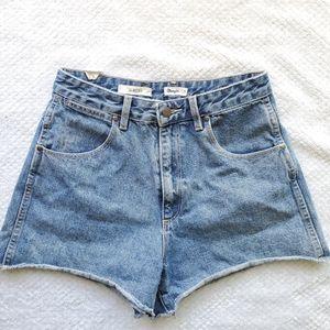 Wrangler/Vintage High Waisted Jeans Shorts/Size 12